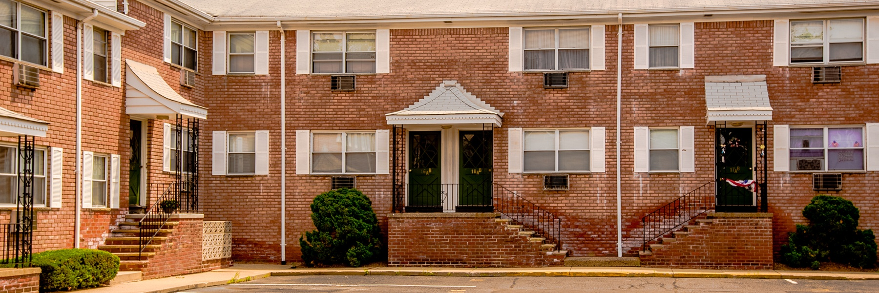 Maple Court Apartments For Rent in Ridgefield Park, NJ Building View